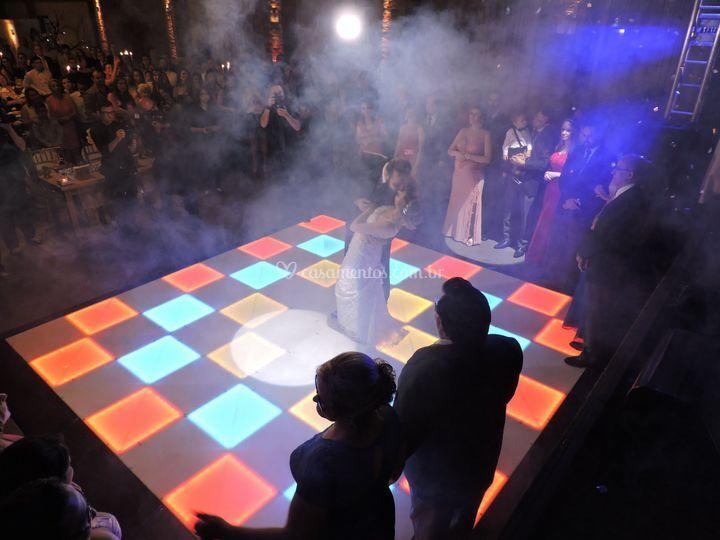 Dança dos noivos na pista