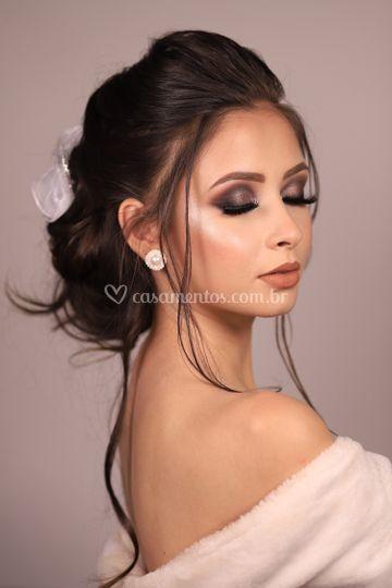 Maquiagem escura para noivas
