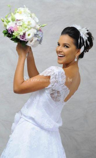 Mariana Rios veste BH