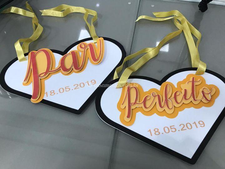 Placas para cadeira noivos