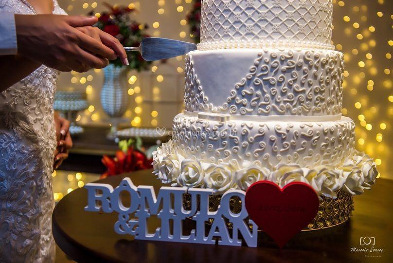 Casamento marsala e branco