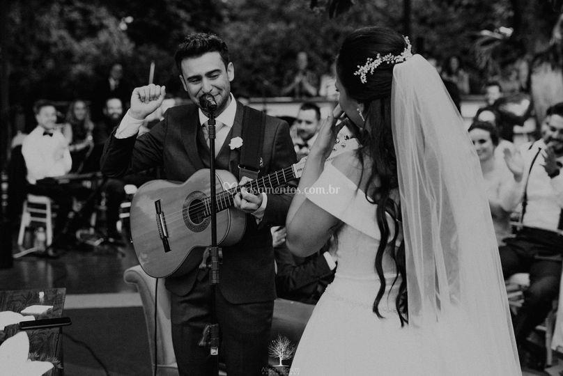 Quando o noivo canta e encanta