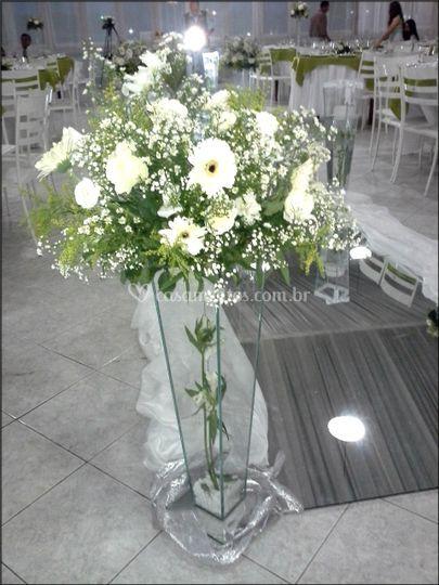 Misto de flores brancas