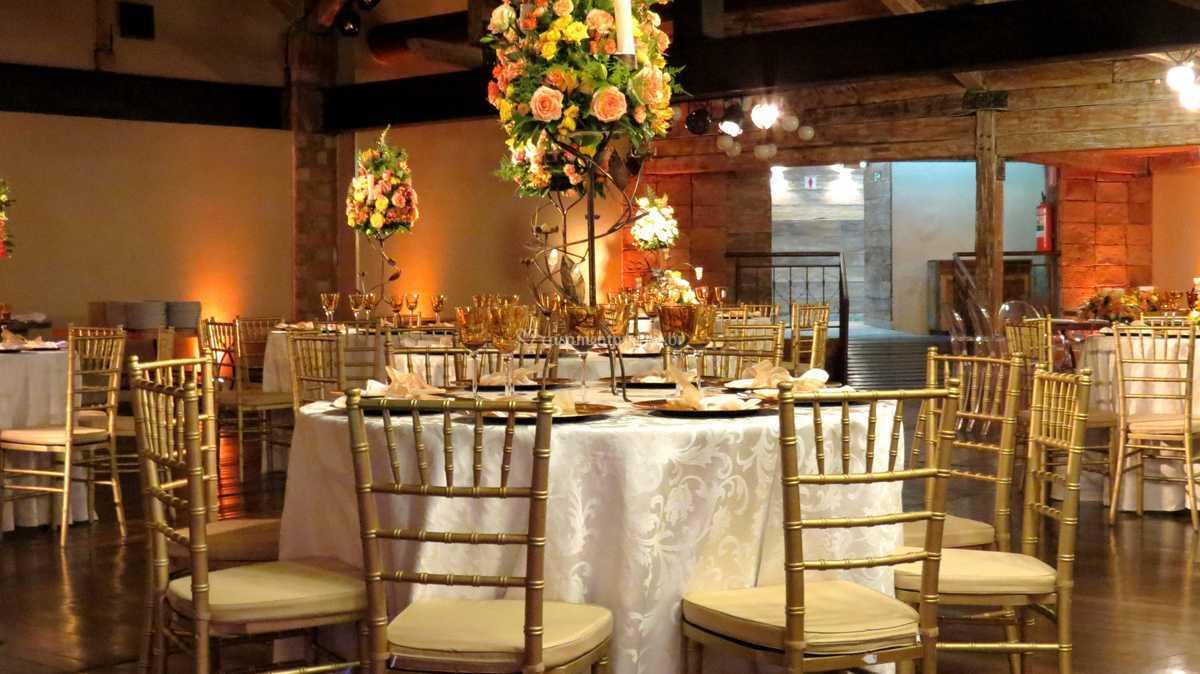 Favoritos Cadeira Tiffany dourada de Decore Locações | Fotos GS82
