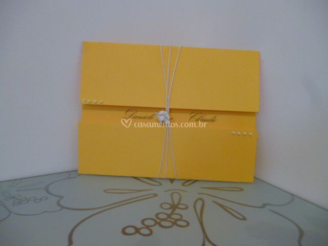 Convite casamento amarelo