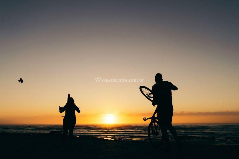 Ensaio bicicleta pôr do sol