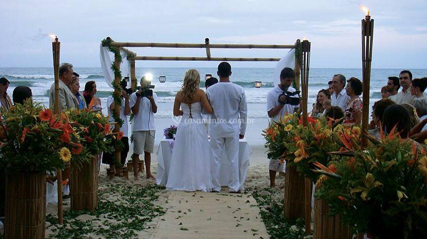 Cerimônia realizada na praia
