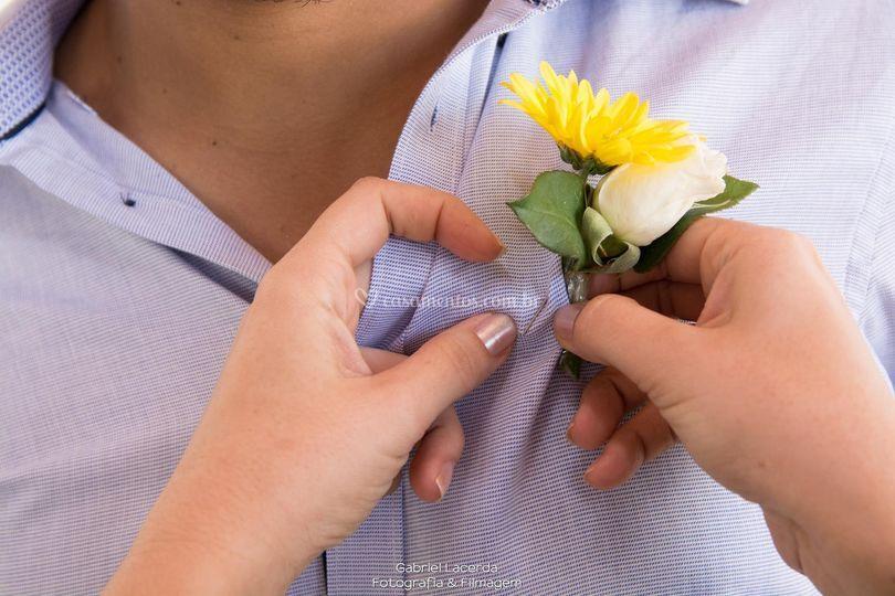 Flor da lapela do noivo Joás