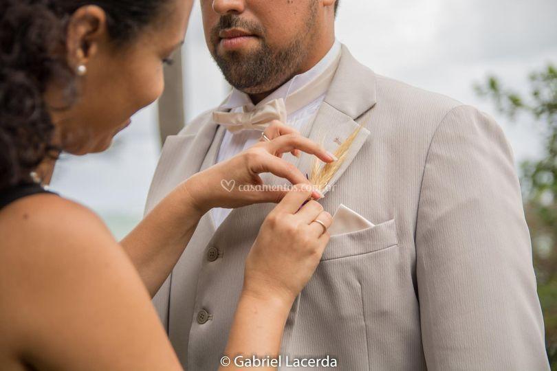 Lapela no noivo Renato