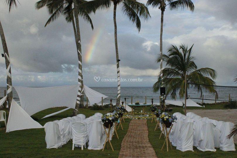 Arco iris na entrada da noive