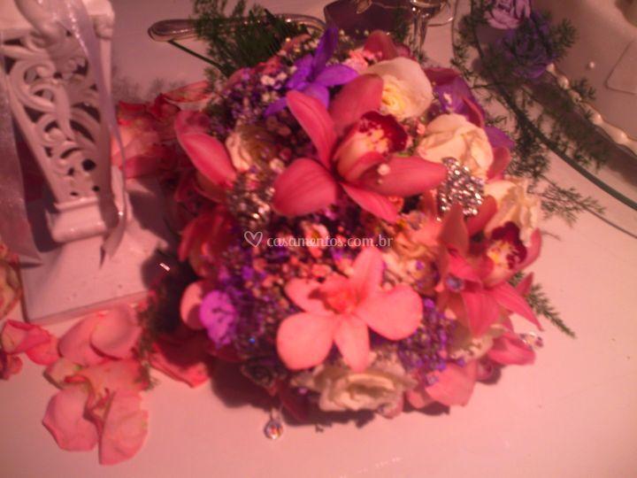 Buquê orquídeas e jóias