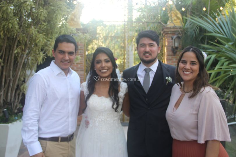 Nós e o casal Rebeca e Rodrigo