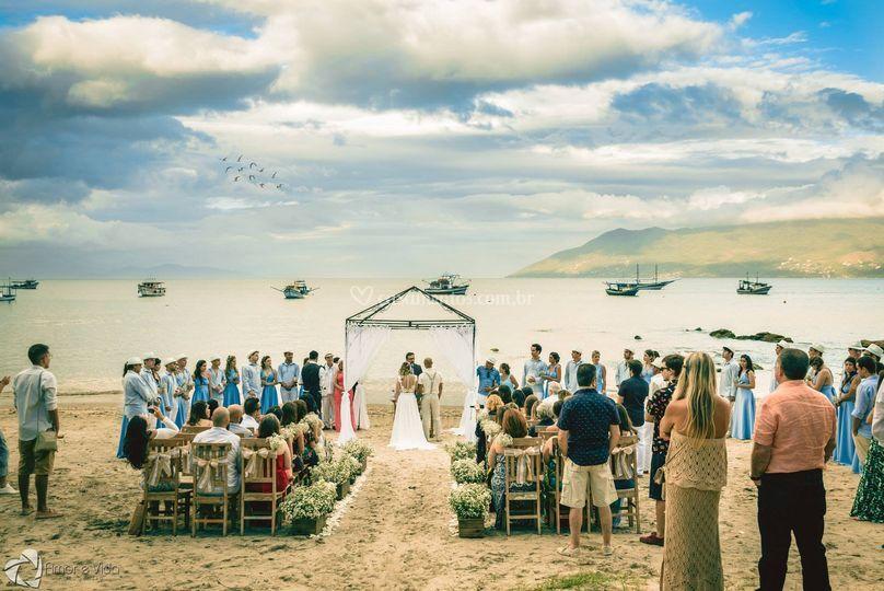 Cerimônia na praia linda!!