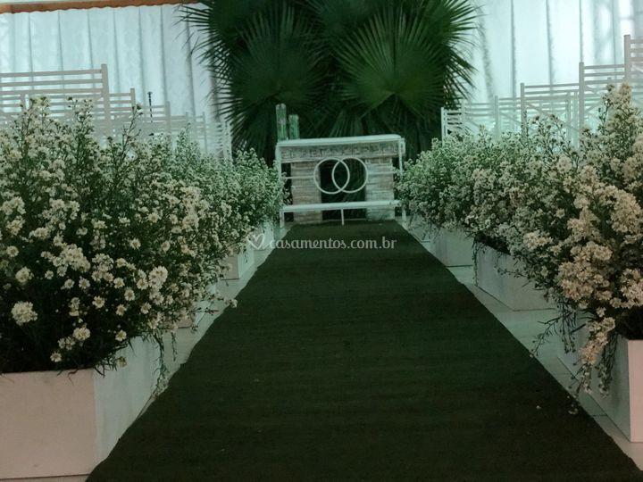 Cerimônia com jardineira aster