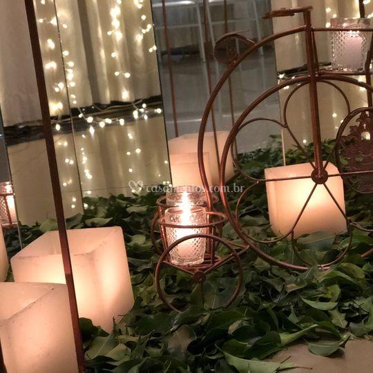 Luminárias aramadas com velas