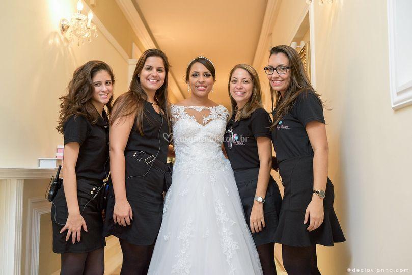 Equipe Thays Moraes com noiva