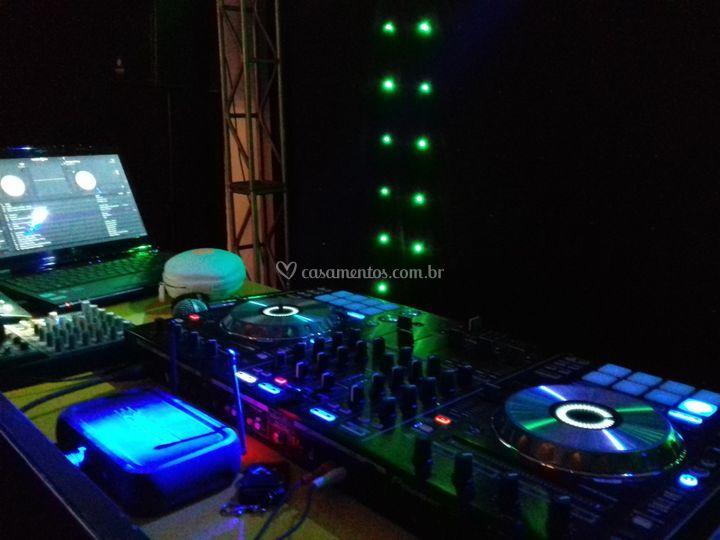 DJ - 01