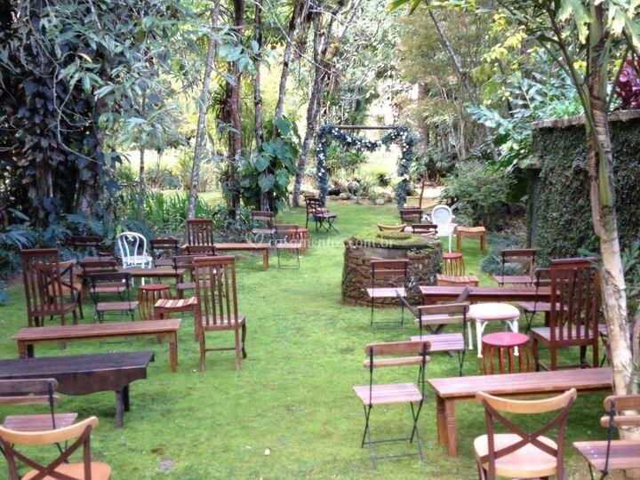 Bosque pronto para a cerimônia