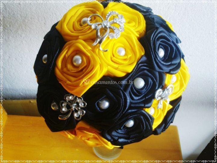 Buquê amarelo com preto