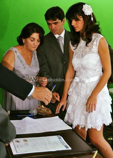 Vestido de noiva curto babados