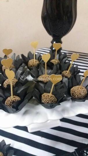 Forminhas e palitos para doces