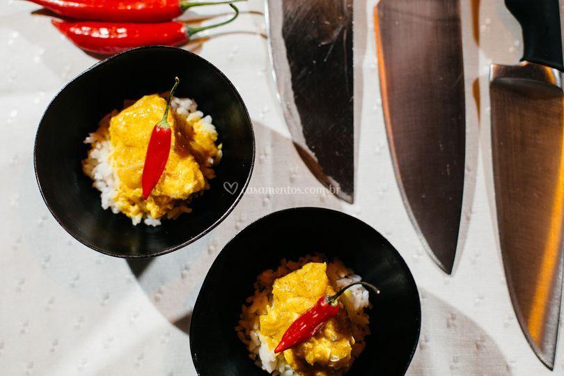 Peixe com açafrão e coco