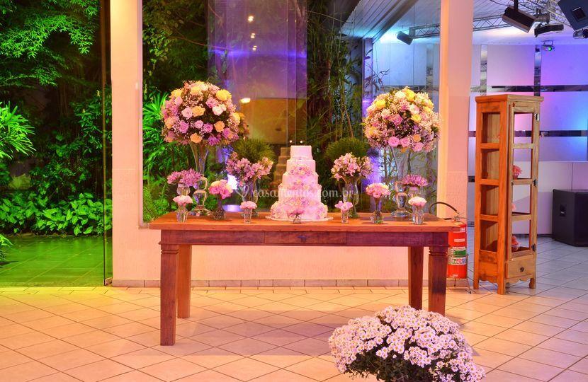 Mesa do bolo - Jardim