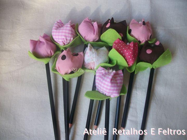 Lapis com flor tulipas
