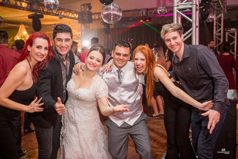 Equipe Libertà com os noivos