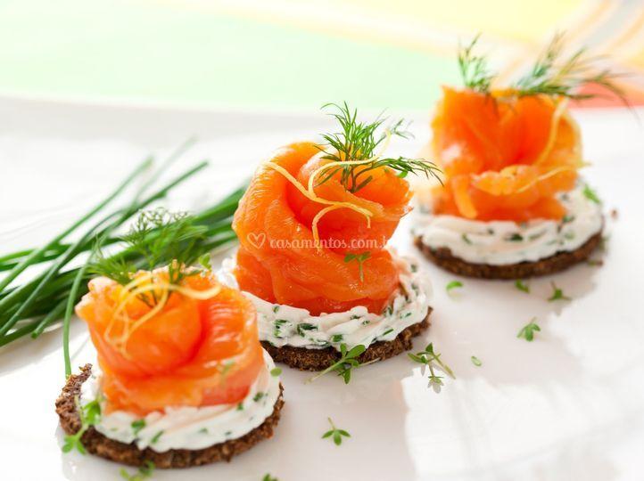 Canapé salmão defumado