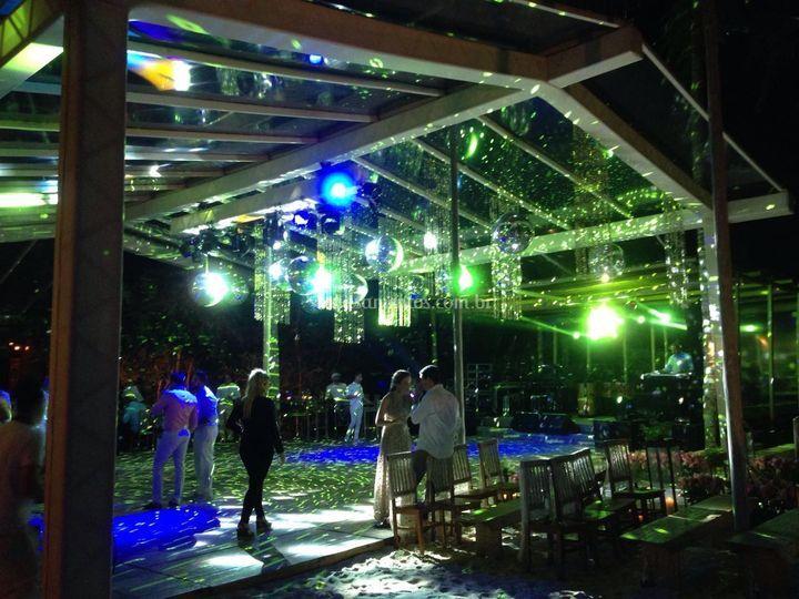 Tenda construida iluminada
