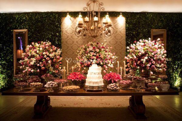 Decoração mesa de doces e bolo de SM Festas e Eventos  Fotos