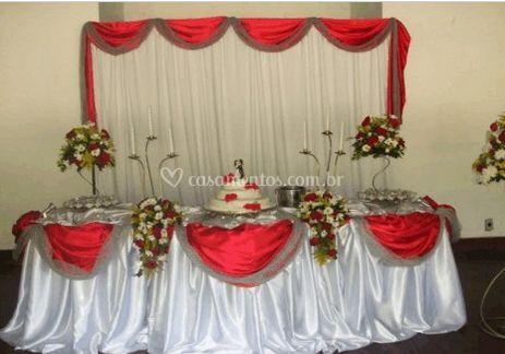Mesa principal vermelha