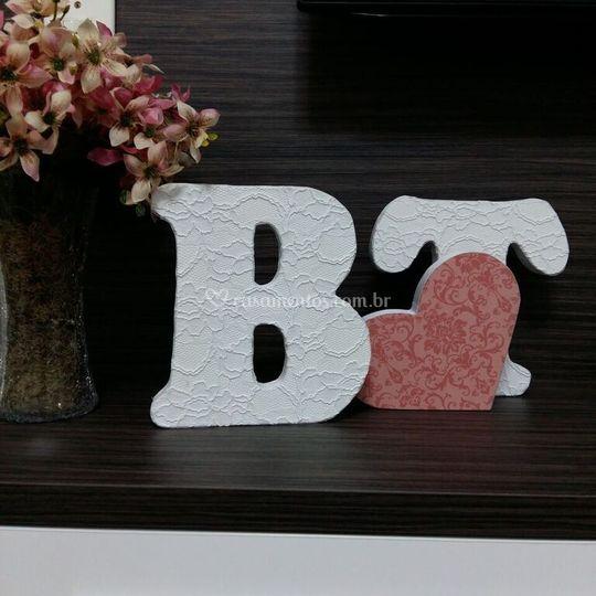 Letras decorativas em renda