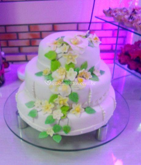 b663a3053 Bolo de casamento Bolo em evento
