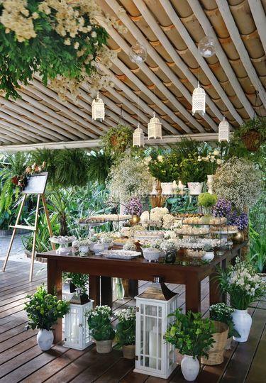 Mesa de doces branca