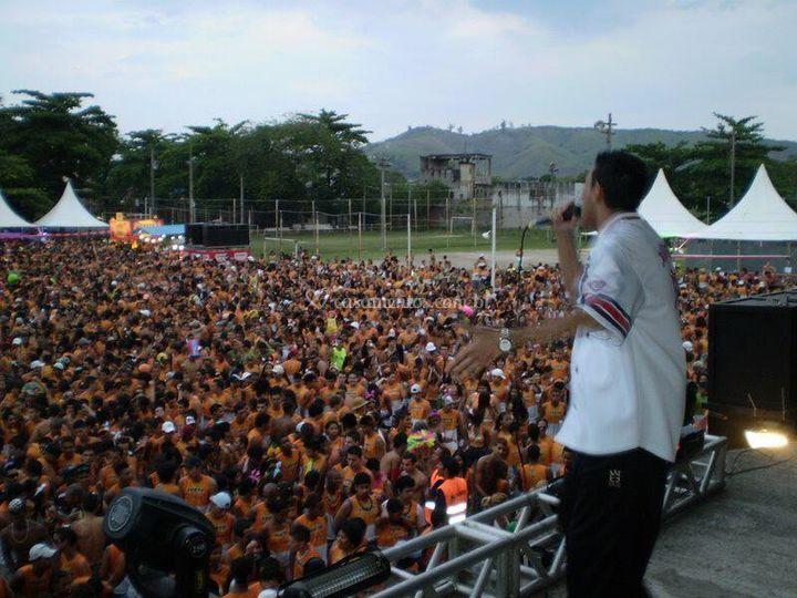 Abrindo show Ivete Sangalo