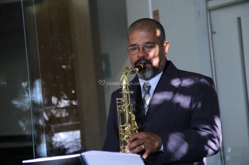 Risler no saxofone tenor