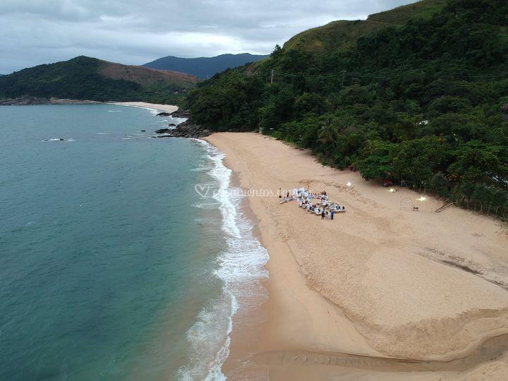 Casamento na Praia com Drone