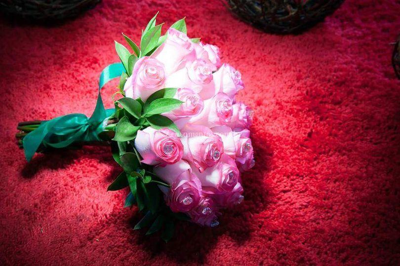 Buquê de rosas com stras