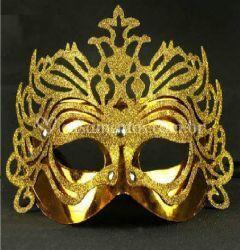 Máscara de gala dourada
