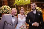 Alegria com os noivos