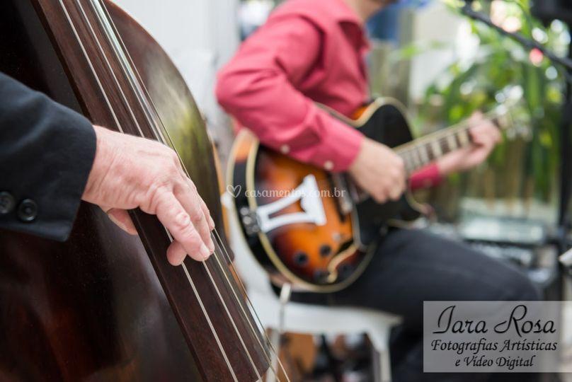 Degustasom - Baixo e Guitarra