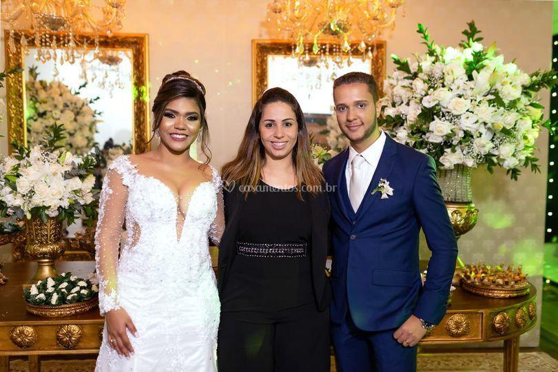 Coordenadora e noivos