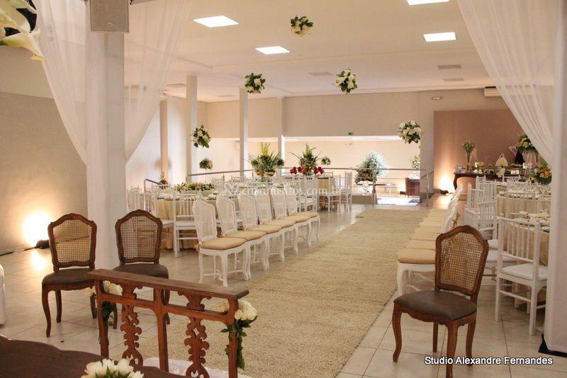 Casamento de dia com cerimônia