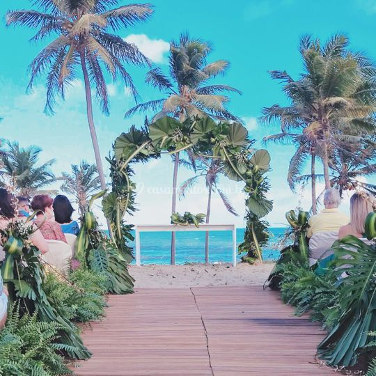 Casamento na Praia de Embassai