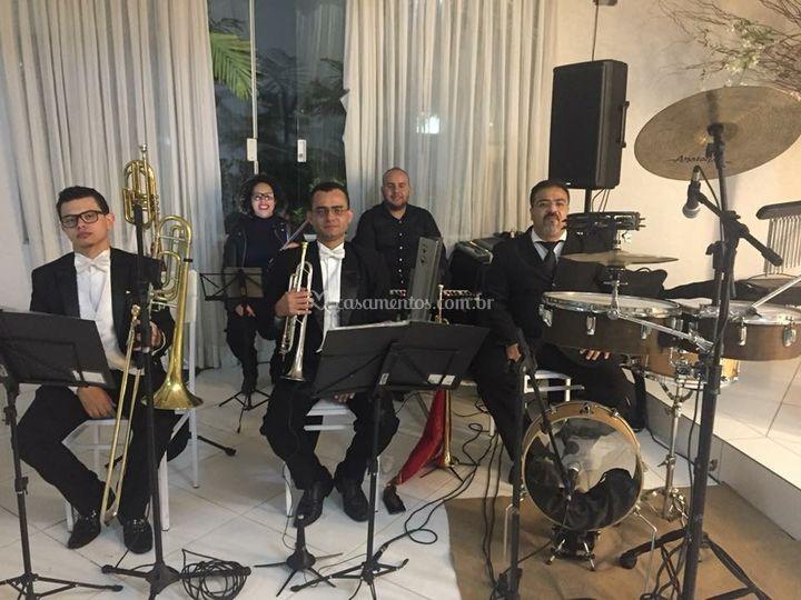 Formação cinco músicos