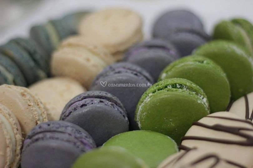 Macarons de diversas cores