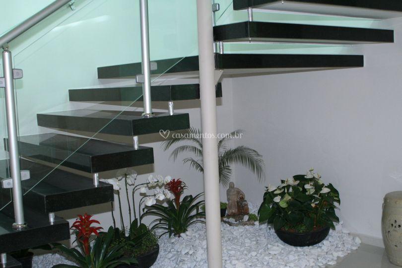 Escada acesso mezanino