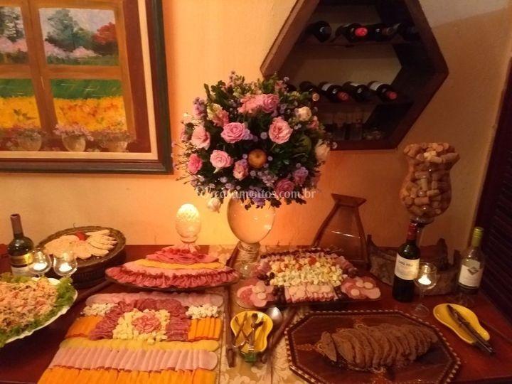 Mesa gourmet, buffet prata